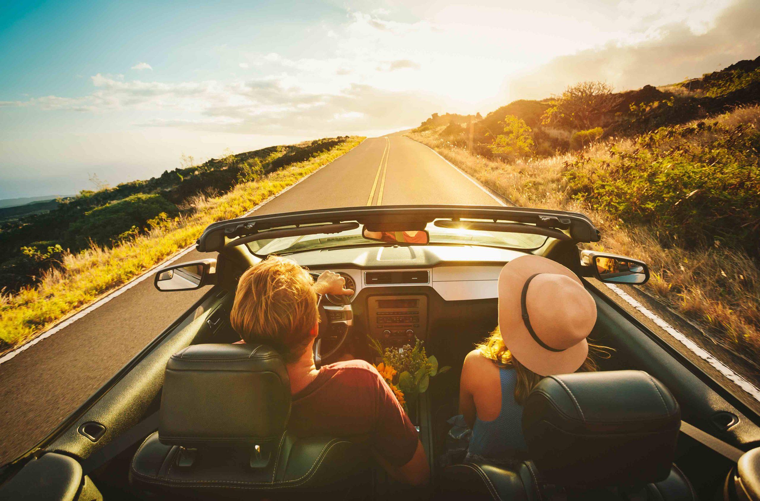 amigos en viaje por carretera