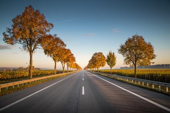 manejar en carretera recta